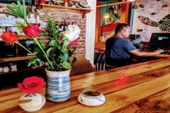 coco-bongo-bar-flowers